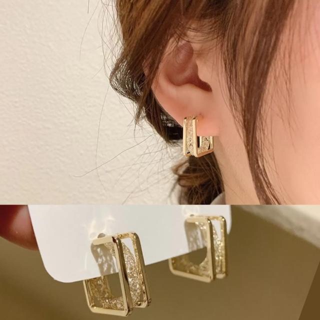 【Emi 艾迷】韓國方圓鏤空美態925銀針耳環