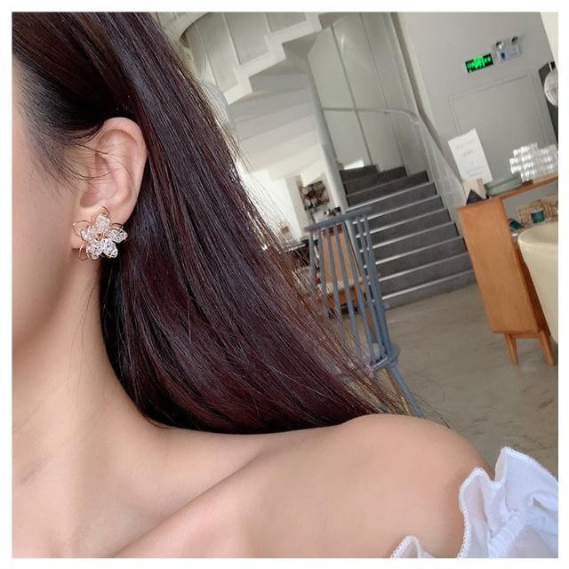 【HaNA 梨花】耳針/耳夾款韓國手工鏤刻金線.水晶串花朵耳環