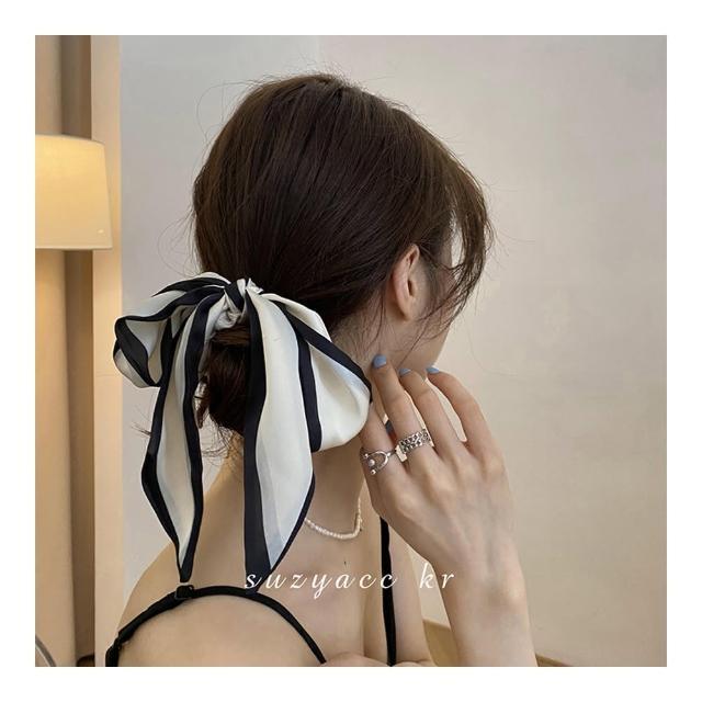 【HaNA 梨花】韓國文藝清新無齡感.長版經典黑白絲綢髮圈
