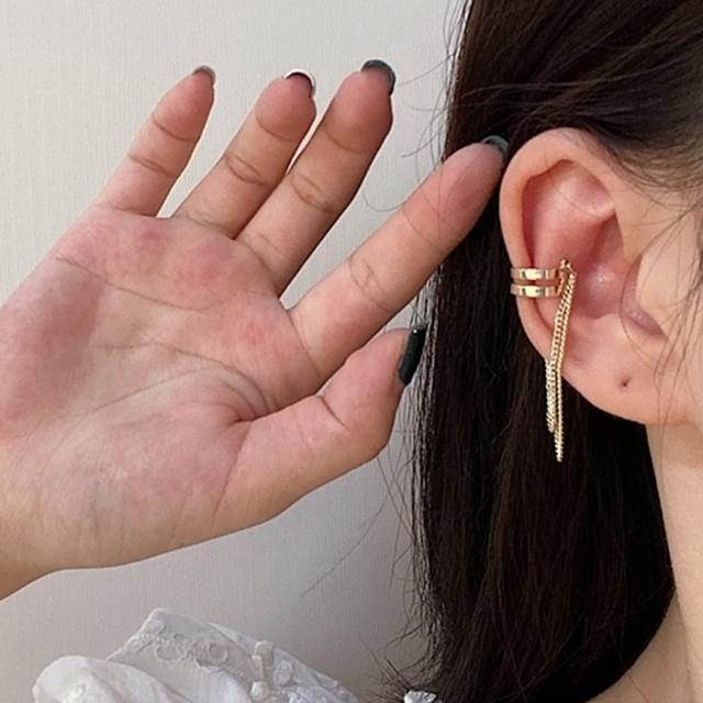 【Oni 歐妮】雙層流蘇不對稱耳骨夾式耳環無耳洞耳扣(1個入)
