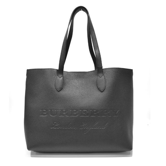 【BURBERRY 巴寶莉】4060096 經典中性款字母壓紋LOGO素面簡約單購物肩背包/手提包(黑色)