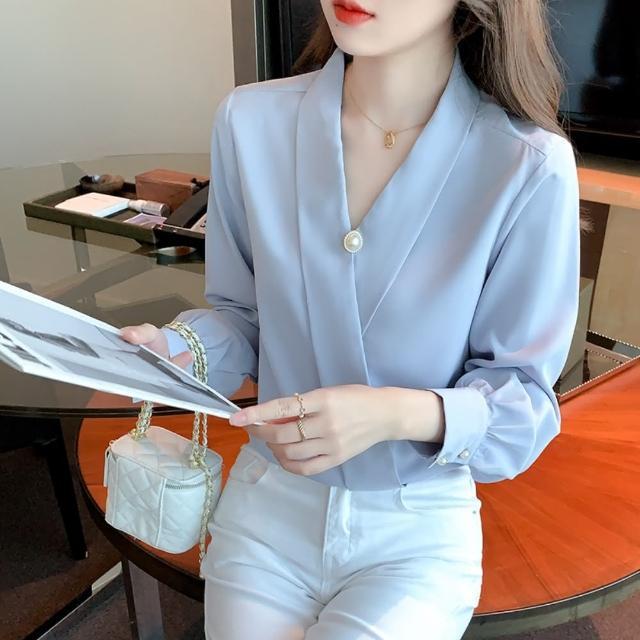 【白色戀人】靚雅時尚珠扣V領柔滑藍色上衣S-2XL